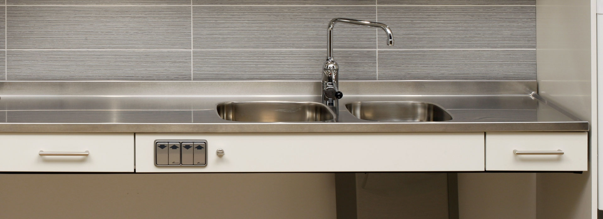 Sinks Amp Taps Height Adjustable Kitchen Systems