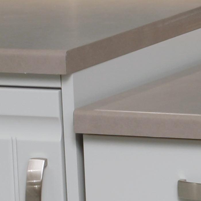 Laminatbänkskivor 30 mm med postformad framkant